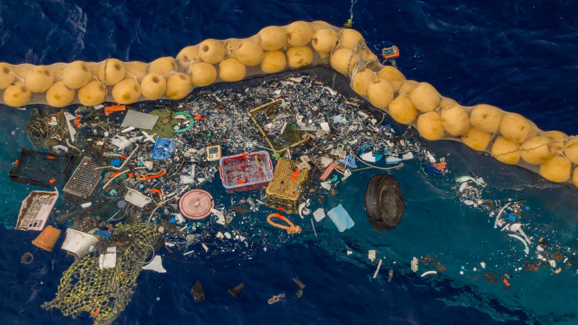 The Ocean Cleanup Traps Plastic in the Great Pacific Garbage Patch